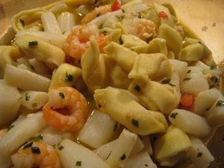 Summer Aspargus Salad with Tomatoes, Shrimps and Tortelloni