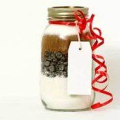 The Best Chocolate Chip Cookies in a Mason Jar