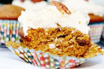 Pumpkin Pecan Cupcakes with Maple Cream Cheese Frosting
