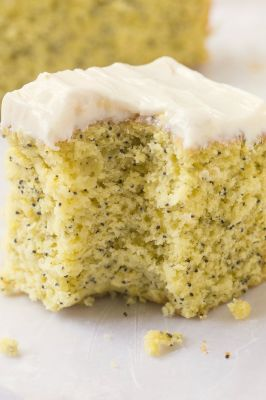 Healthy Flourless Lemon Poppy Seed Breakfast Cake