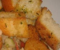 Croutons made of Baguette and herbs