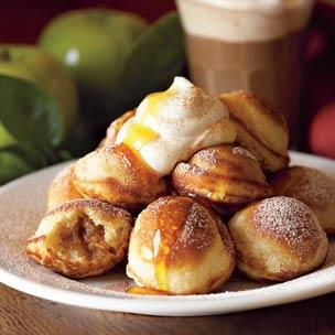 SPICED APPLE-FILLED PANCAKES on BakeSpace.com