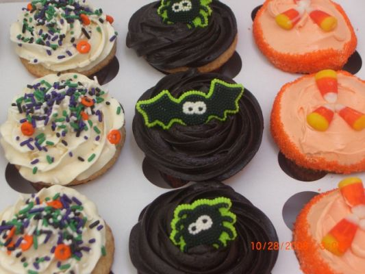 Halloween cupcakes: peanut butter, pumkin walnut, chocolate, and vanilla