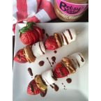 PEANUT BUTTER STRAWBERRY SHORTCAKE SKEWERS