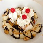 Ultimate Peanut Butter & Chocolate Banana Split