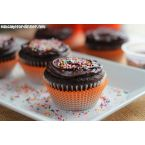 The BEST Chocolate Cupcakes with Cheesecake Filling