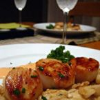 PAN SEARED SCALLOPS IN SAFFRON CREAM SAUCE