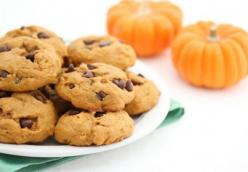 Homemade Pumpkin Chocolate Chip Cookies