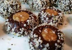 Raw Vegan Energy Balls - the complete collection