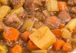Crock-Pot  Beef Potatoes and Carrots submitted by Patricia Duarte Madisonville KY