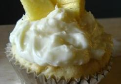 Coconut Milk Cupcakes with Coconut Cream Cheese Frosting and Fresh Pineapple