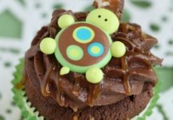 Chocolate Turtle Cupcakes
