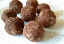 Basic Raw Vegan Energy Balls