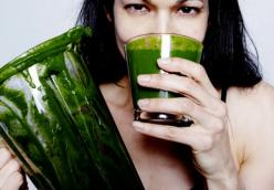 Raw Vegan Tropical Green Smoothie