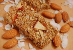 Homemade Apple Almond Granola Bars
