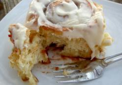 Eggnog and Cranberry Cinnamon Rolls