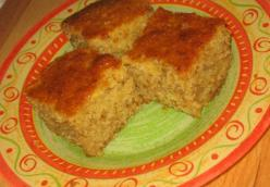 CAKE WITH SEMOLINA, NUTS AND APPLES (my Mom's