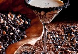 ICE CREAM IN A MARTINI GLASS RIMMED WITH OREO CRUMBS