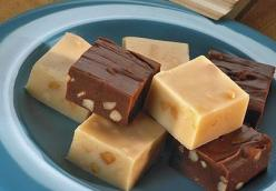 HERSHEY'S Premier White Chips And Macadamia Nut Fudge