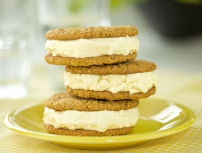 oatmeal ice cream cookie sandwich